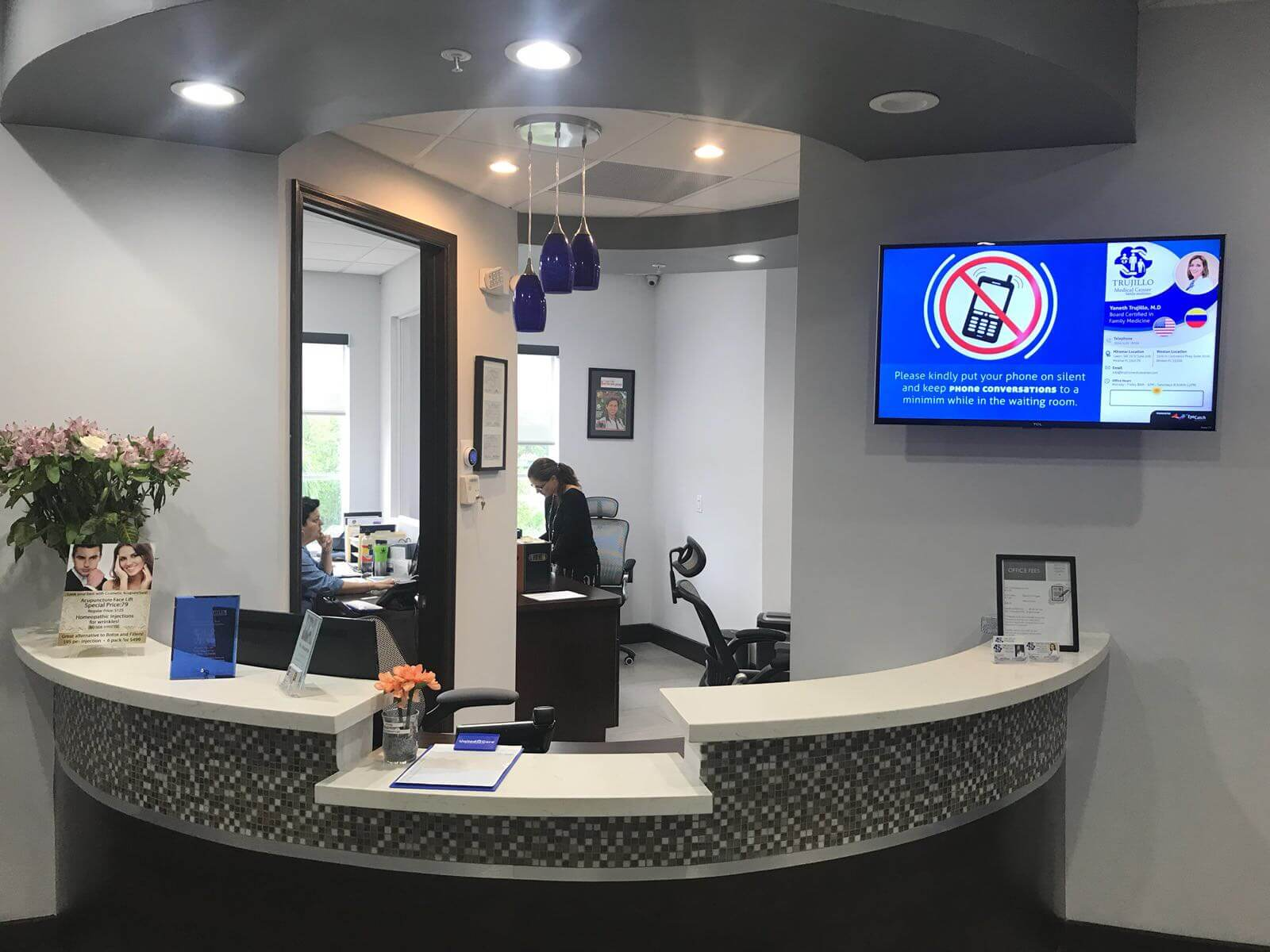 wall mounted digital signage for office reception